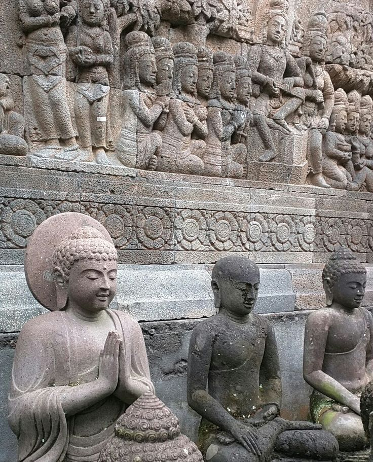 Hand carved stone statues and reliefs at Kuluk gallery in Ubud Bali. www.kulukgallery.com #Bali #stonebuddha