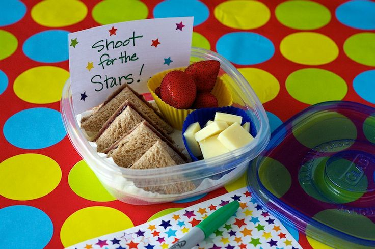 cute and easy school lunch in one containerBento Lunches, Sandwiches Lunches, Kids Food Snacks, Healthy Snacks, Schools Ideas, Pack Schools, Lunches Ideas, School Lunches, Easy Schools Lunches
