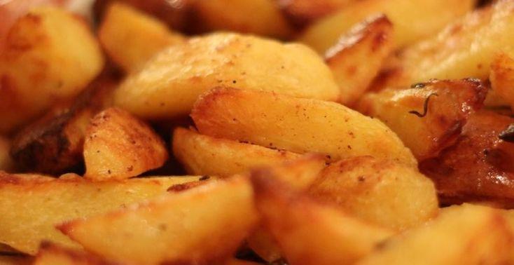 Zemiaky nie sú v našom jedálničku žiadnou novinkou a práve vďaka ich nízkej cene a výdatnosti ich využívame v mnohých variantoch. Chutné zemiaky omastené maslom, narezané na kolieska ako francúzske zemiaky či jemné zemiakové pyré. Viaceré zo spôsobov, ako ich pripraviť už však môžu po čase omrzieť, preto je na mieste vyskúšať nasledujúci recept. Garantujeme