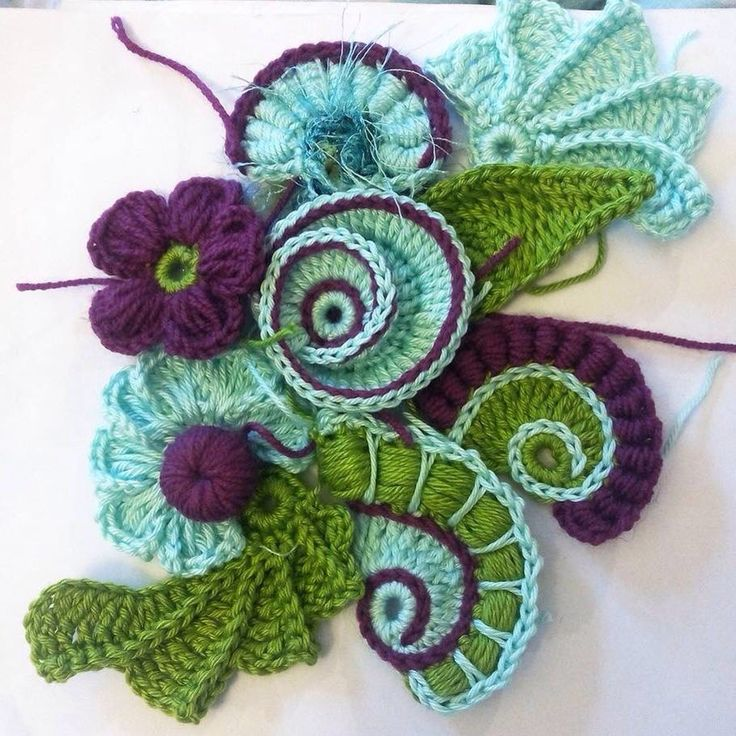 I just love this freeform - both the shapes and the colour combo. So clever.