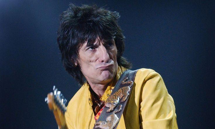 #10 #chitarristi famosi che non sono capaci di suonare la #chitarra