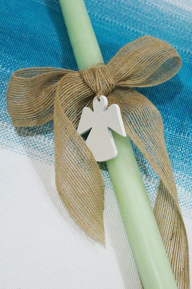 There are endless ways to decorate a Palm Sunday candle; fast, simple yet elegant. This one is so fresh and springy and could go for both boys and girls and match several outfit colors. It won't ta...