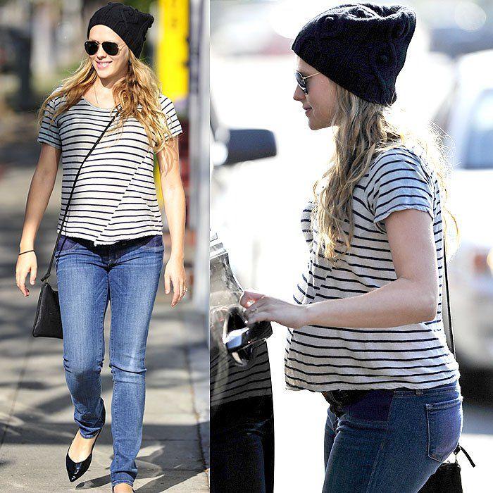 Teresa Palmer pregnant in jeans