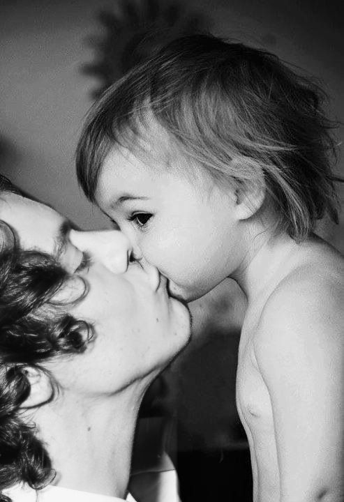 Ok, even if this wanst harry and Lux this is a adorable picture! Admit it :)