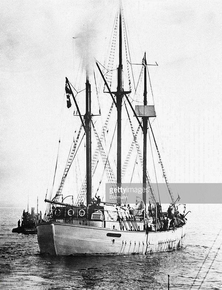 El Maud, el barco utilizado por el explorador ártico Roald Amundsen para su viaje a la deriva a través del Polo Norte a principios de 1920.