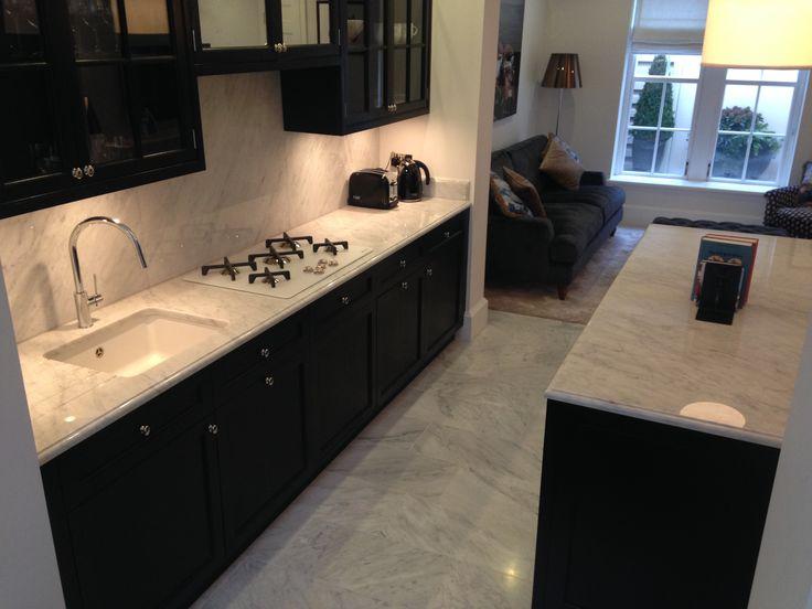 Bianco Carrara Worktop, Breakfast Bar and Floor Tiles