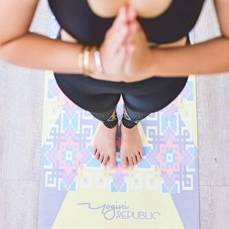 Yellow maze yoga mat  May your Saturday be filled with the calm (or wild) whichever you choose it to be 😉  #YRliving