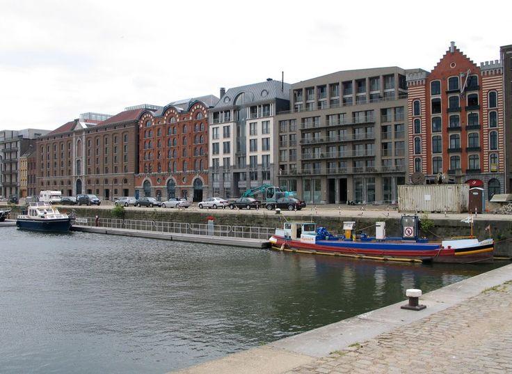 Godefriduskaai - Pakhuizen in Antwerpen