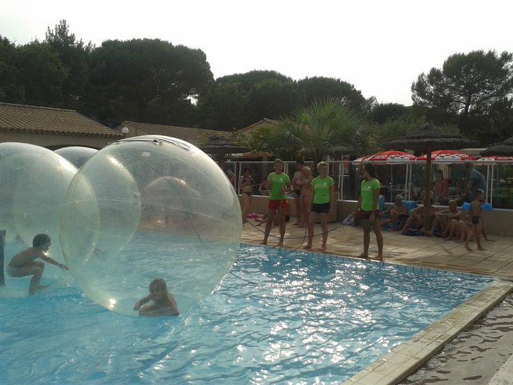 Originele activiteiten in het water met de kids op camping Lei Suves!