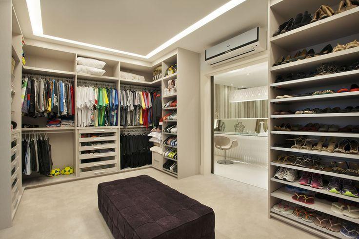 Decor Salteado - Blog de Decoração e Arquitetura : Casa com pé direito duplo moderna - veja dicas de decoração e conheça todos os ambientes!