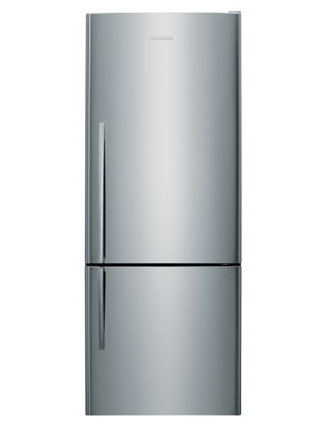Featuring a contemporary stainless steel finish, this fridge freezer is designed with emphasis on everyday convenience, with ergonomic storage bins and adjustable glass shelves, so you can customise shelf heights to suit the whole family.