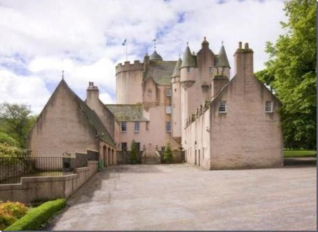 http://hubpages.com/hub/Castles-for-Sale-Scotland