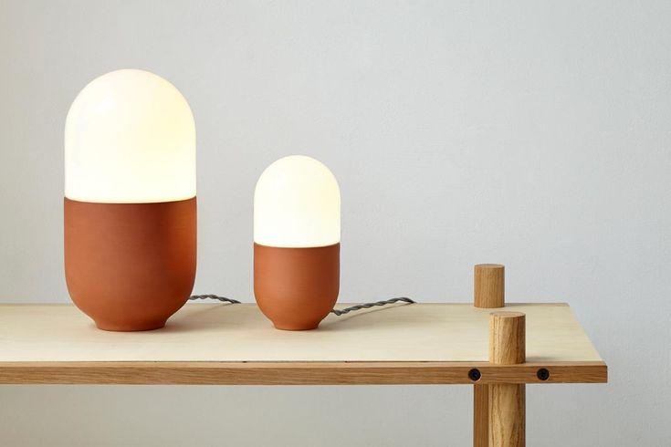 HandEye_duo_table-lamp_both-sizes-on-shelf_web