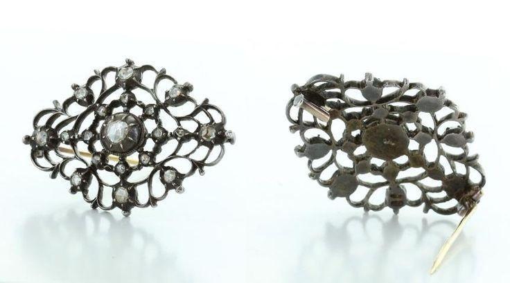 Omschrijving  1x Antieke broche,Johan Rozendaal, zilver, diamanten 19-1,10 crt speld is 14 krt goud, gewicht 10,7gram, winkelwaarde 1.925,-