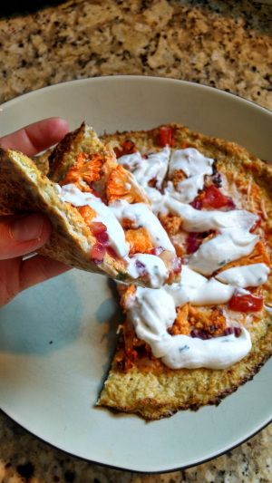 21 Day Fix - Buffalo Pizza with Cauliflower Crust and Greek Yogurt Ranch Dressing