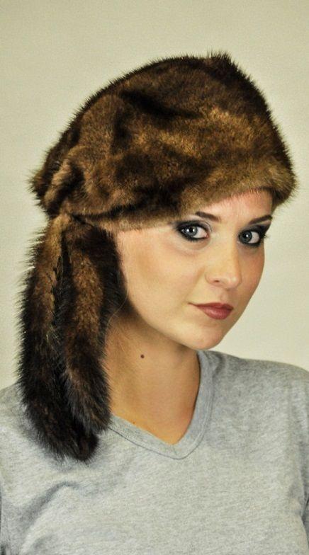 Cappello visone con 3 codine  www.amifur.it