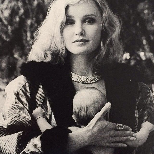 Jessica Lange photographed with her daughter Shura   Jessica Lange ☆   Pinterest   Jessica lange and Beautiful people
