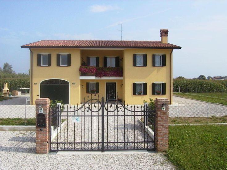 Porte e finestre in pvc ISI per questa splendida abitazione a Brugnolaro.