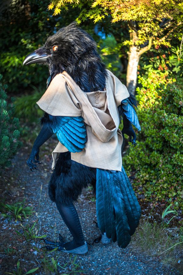 Video game artist and illustrator Rah-Bop created this stunning anthropomorphic raven costume, and the amount of detail here is pretty incredible.