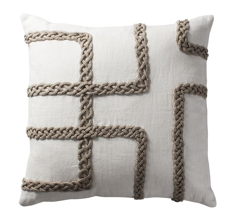 Celtic interlace patterns crafted with rope appliqué on linen | Aztaro cushion