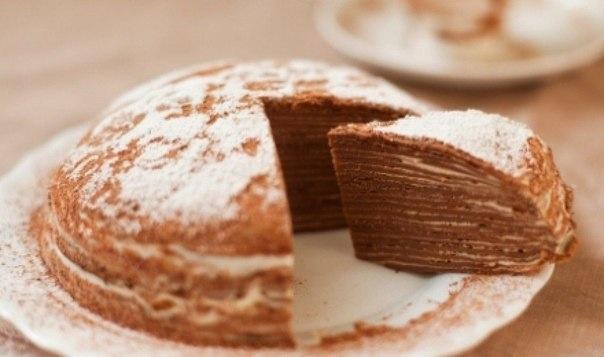 ШОКОЛАДНЫЙ БЛИННЫЙ ТОРТ   Ингредиенты:   4 ст.л. муки (можно цельнозерновую)   4 ст.л. крахмала   1 яйцо / 300 мл молока / 250 мл воды  шоколад приблизительно 50 грамм  какао - 3 ст.л.   соль, сахар по вкусу   1 ст.л. растительного масла    Для крема: примерно 0,5 л молока   сахар ванильный 50 грамм   крахмал кукурузный или картофельный примерно 40 грамм    Приготовление:   1. Все ингредиенты тщательно смешать, добавить растопленный шоколад. Готовить блины по 2-3 минуты с каждой стороны на…