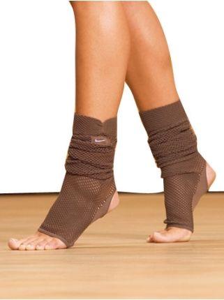 yoga nike socks for warmer autumn Yoga Fitness - http://amzn.to/2hmQneS