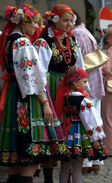 Traditional folk clothing (Łowicz, Poland)