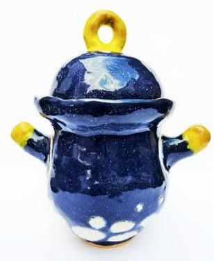 Navy blue pot