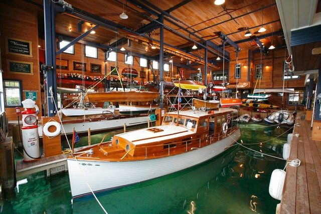 17 best images about on pinterest for Boat garages