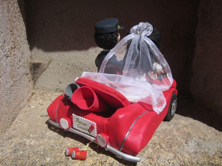 Detalle de la parte trasera del coche. Todo en goma eva y pintado a mano. elenamartinlopez.blogspot.com