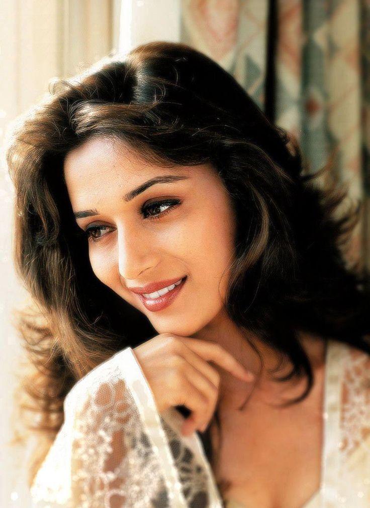 Madhuri: Smiling beauty Pics | Madhuri: Smiling beauty Photos ...