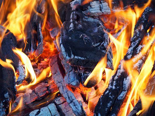 Decoration under the brandy.  #bonfire #flames #heat #drink #romance #freelancecreative #freelancediscount #freelancer