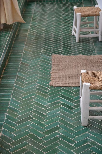 pinned by barefootstyling.com Carreaux vert... (Marrakech / wood & wool stool)