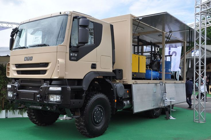 The austrian company STI Steyr modfies Iveco trucks. This is an HTV 6x6 with ELS body. | Ditzj.de - Eurosatory 2016 - 1
