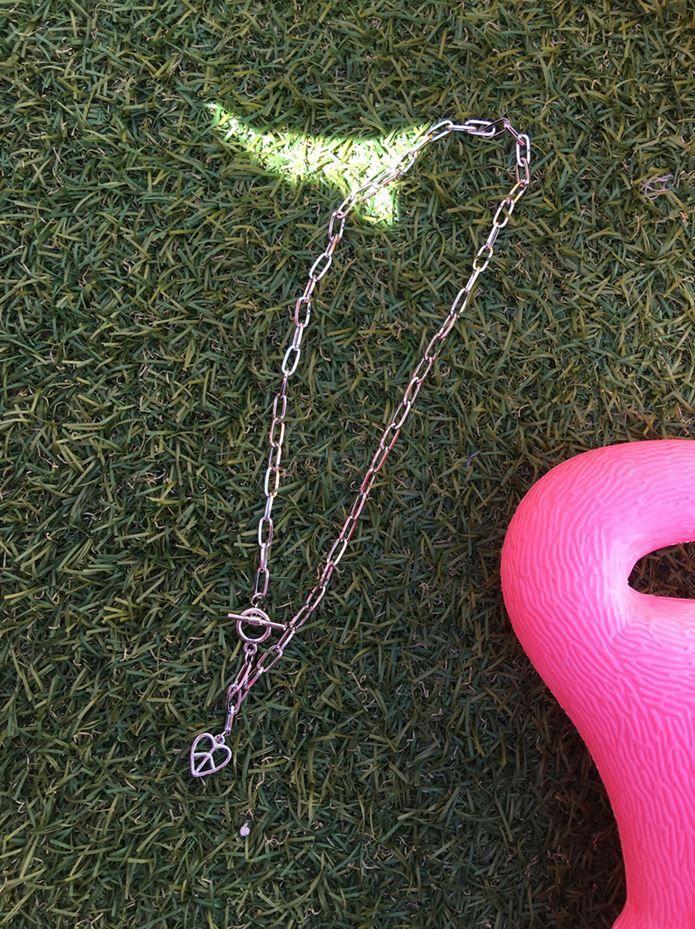 Dress Up Confidence! 66girls.us Peace Heart Pendant Necklace (DHOY) #66girls #kstyle #kfashion #koreanfashion #girlsfashion #teenagegirls #younggirlsfashion #fashionablegirls #dailyoutfit #trendylook #globalshopping