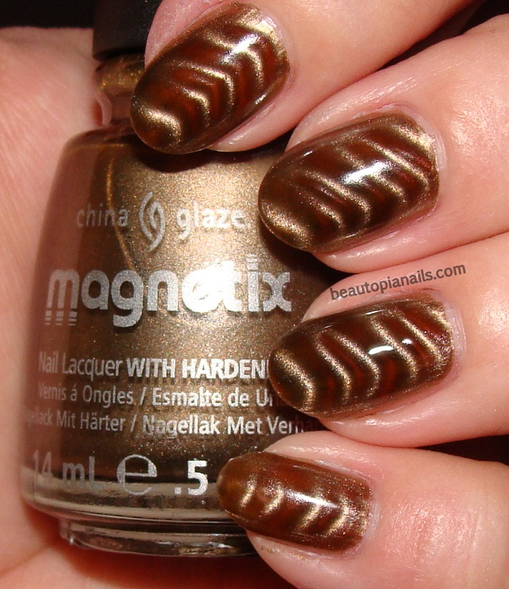China Glaze Magnetix - You Move Me