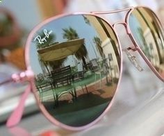 How did I not know that pink Ray-Ban aviators existed?!?!?! OMG