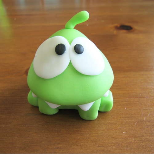 Om Nom - Cut the Rope Cake  i want to make this cake!!!!!!!