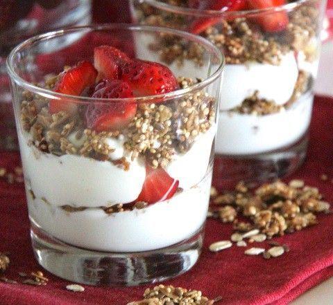 Esta quinoa con yogurt es el postre ligero y rico que estás buscando ¡Pruébala!   #RecetasFáciles #PostresLigeros #PostresLight #QuinoaConYogur #Quinoa #RecetasDeQuinoa #HacerQuinoa