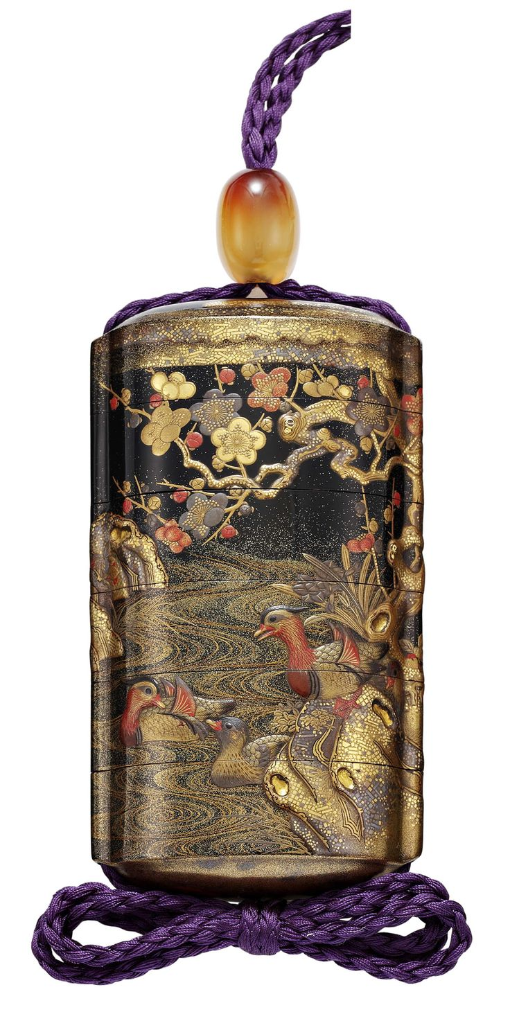 A FIVE-CASE LACQUER INRO SIGNED KAJIKAWA SAKU AND WITH RED POT SEAL EDO PERIOD (EARLY 19TH CENTURY)(REAR VIEW)
