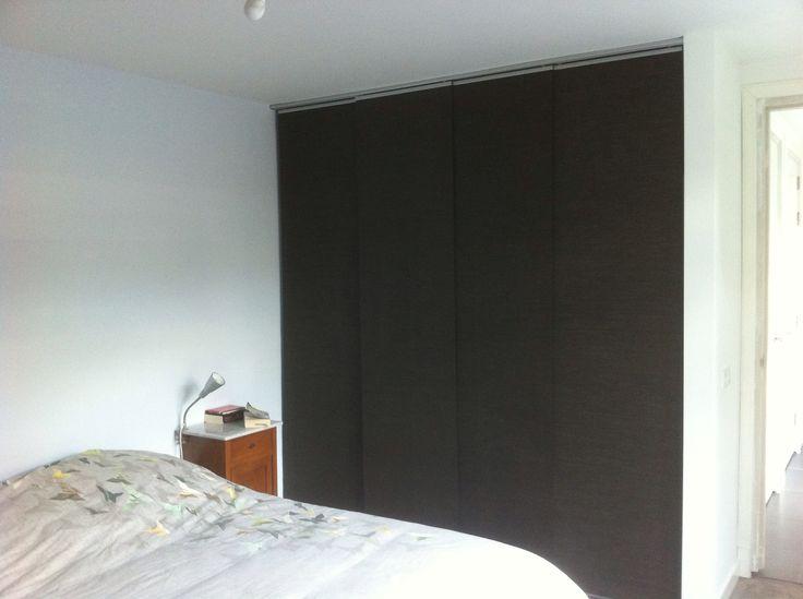 kledingkast met paneelgordijnen van ikea thuis. Black Bedroom Furniture Sets. Home Design Ideas