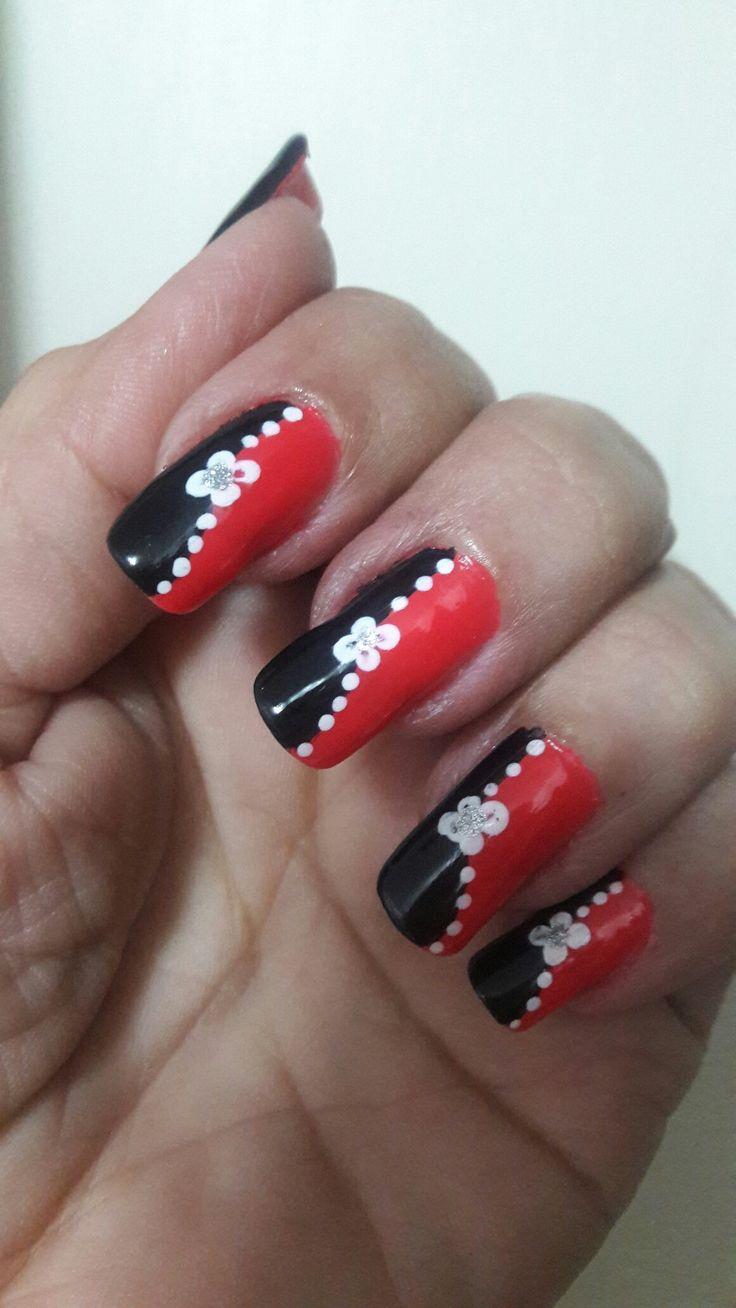 Nails...rojo y negro.... 💅