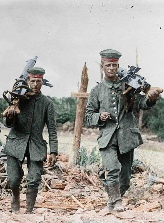 German machine gunners change the position WWI  Legendary