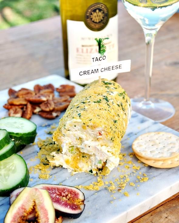 how to make a wine bottle cheeseboard