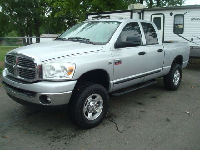 RUNS AND DRIVES GREAT 2007 Dodge Ram 2500 SLT pickup