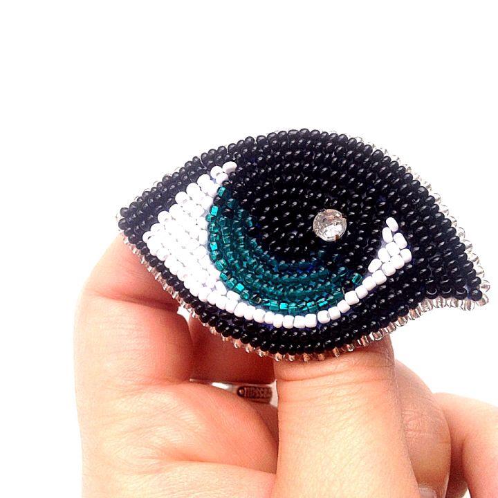 """""""Эти глаза напротив чайного цве-е-ета.."""" Брошь """"Счастливый взгляд. Размер ~6,5*4,0 см . . #брошь #бисер #брошьизбисера #украшенияизбисера #ручнаяработа #дом2 #дизайнерскиеукрашения #авторскаяброшь #глаза #зеленыеглаза #хэндмейд #авторскиеаксессуары #авторскиеукрашения #дизайнерукрашений #дизайнер #украшенияручнойработы #украшения #craft #handicraft #bead #beads #beadbrooch #brooch #designbrooch #onlymybrooch #handmade #handmadebrooch #handmade #handmadebrooch #handmade_ru_jewellery…"""