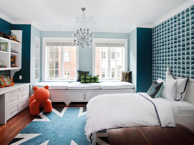 Great for growing lil' boys! <3 the wallpaper and the window seats!Bedrooms Colors, Little Boys Room, Windows Seats, Blue Wall, Boys Bedrooms, Kids Room, Boy Rooms, Big Boys Room, Kids Bedrooms Ideas
