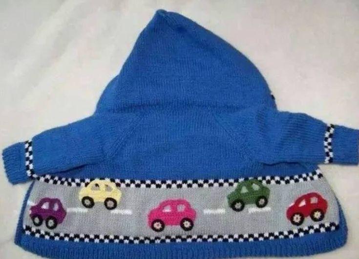 araba desenli kapşonlu örgü bebek hırkası