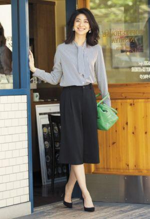 ユニクロで揃えられるプチプラコーデ♪アラフォー(40代)女性におすすめのスカーチョの着こなし♪