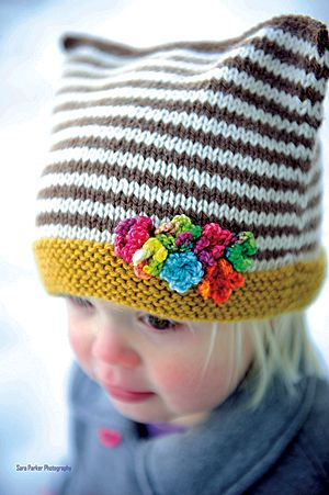 Snow Buddies Hat and Mitten Set. Such a cute idea to add the flowers.